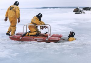 AUXILIARY ICE RESCUE TRAINING