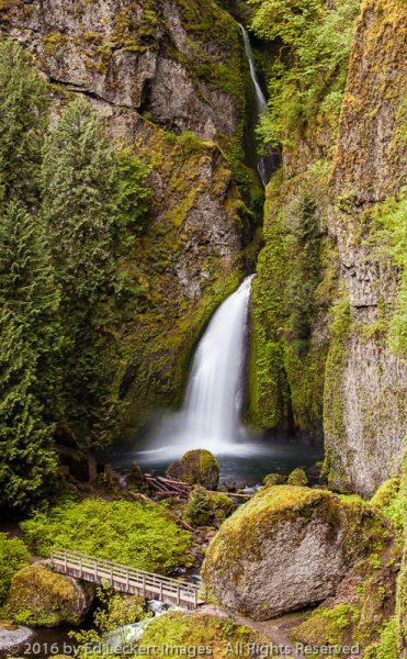 Wahclella Falls and Footbridge, Historic Columbia River Highway, Oregon